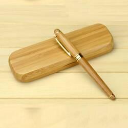 Подарочная ручка в футляре (дерево)