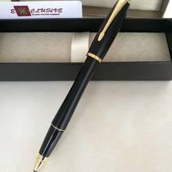 Ручка Parker, черная (полуматовая, изгиб, золотые вставки)