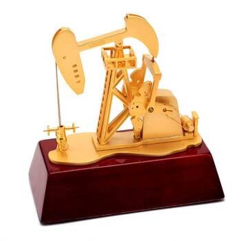 Какой купить подарок нефтянику