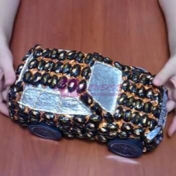 Автомобиль из конфет - идеальный подарок любимому мужчине!