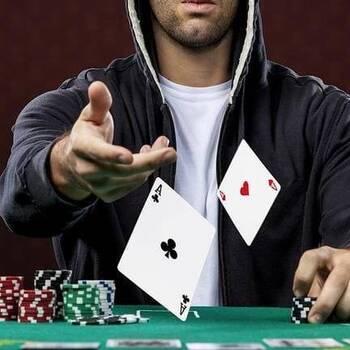 Выигрышные комбинации при игре в покер