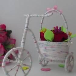 Сувенирный велосипед с цветами
