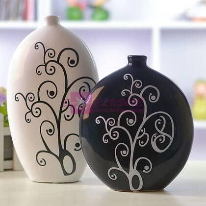 Набор из двух ваз