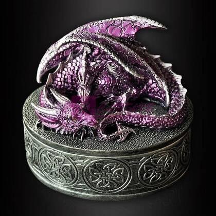 Шкатулка с драконом